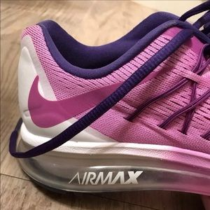 Nike Air Max Tennis shoes size Y7 or women 8.5